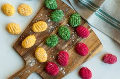 Fearless Kids Gnocchi - A small dumpling made of potato or flour or semolina that is boiled or baked and is usually served with a sauce or with grated cheese. Top Recipes, Baking Recipes, Snack Recipes, Good Food, Yummy Food, Healthy Food, Recipe Please, Yummy Smoothies, Pasta