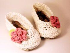 sweet rose-embellished booties #crochet