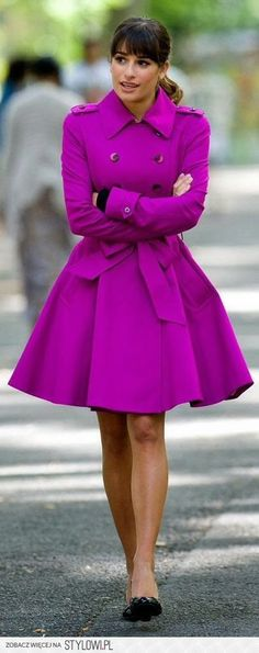 Lea Michele Street Style purple trench with full skirt! Amazing street fashion for fall! Fashion Mode, Look Fashion, Winter Fashion, Fashion Outfits, Womens Fashion, Street Fashion, Fashion Spring, Fashion News, Glee Fashion