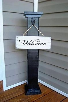 Front Porch Welcome Sign by HammockWoodworks on Etsy . I love the porch post! Outdoor Projects, Home Projects, Outdoor Decor, Outdoor Crafts, Porch Welcome Sign, Creation Deco, Decks And Porches, Porch Decorating, Front Porch