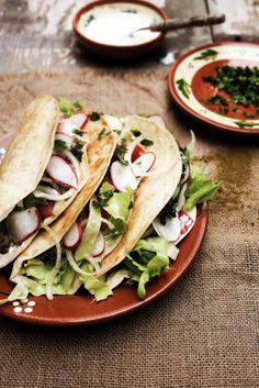 Pratos e Travessas: Fork magazine and red bean and avocado tacos # Revista Fork e tacos de feijão vermelho e abacate   Food, photography and stories