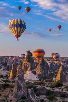 cappadocia balloon Good Morning Cappadocia by Robert Mehlan / Cappadocia Balloon, Cappadocia Turkey, Balloons Photography, Nature Photography, Travel Photography, Air Balloon Rides, Hot Air Balloon, Balloon Flights, Foto Blog