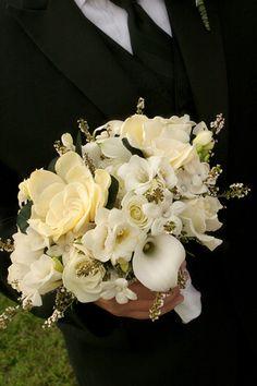 Bridal bouquet with roses flowers by samantha nass floral design bridal bouquet with roses flowers by samantha nass floral design image by susan blackburn copyright blackburn portrait design weddinginspiration mightylinksfo
