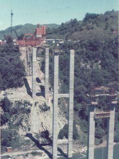 Mangaweka Viaduct under construction- Under Construction, Brooklyn Bridge, Trains, Grand Canyon, Magazine, Nature, Naturaleza, Magazines, Grand Canyon National Park