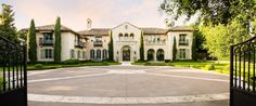 Entry Motor Court - Mediterranean mansion - Dallas, Texas