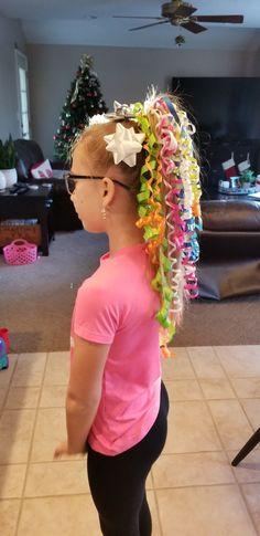 Crazy hair day - Hair Styles For School Crazy Hair Day Girls, Crazy Hair For Kids, Crazy Hair Day At School, Days For Girls, Crazy Hat Day, Crazy Hair Day For Teachers, Little Girl Hairstyles, Diy Hairstyles, Wacky Hair Days