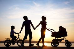 Parenting isn& easy, but developing good parenting skills will ensure a stronger bond with your child! Learn tips and effective parenting skills in this article. Photos Bff, Funny Photos, Good Parenting, Parenting Hacks, Parenting Articles, Foster Parenting, Post Pregnancy Workout, Pregnancy Health, Happy Parents