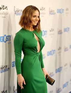 Everytime we think about Joanna 'JoJo' Levesque, we feel like we're crushing on a cheerleader captain. She's cute, adorable & sexy. Jojo Levesque, Beautiful Celebrities, Beautiful Actresses, Beautiful Women, Jojo Singer, Foto Pose, Female Form, Girl Model, Celebrity Pictures