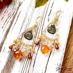 Come indulge yourself in the Halloween spirit with these fun earrings featuring JJB's Haunted Hayride mini-mix and our signature Cage Crystal beads. 🎃 🦇 Haunted Hayride, Crystal Beads, Crystals, Chain Nose Pliers, Diy Jewelry Projects, Head Pins, Just Smile, Spirit Halloween, Autumn Inspiration
