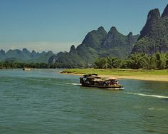Karst landscape along the Lijiang River, near Guilin, Guanxi, China (11) by Yvon from Ottawa, via Flickr