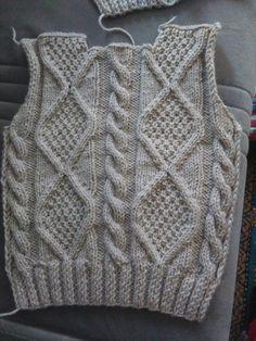 Aran Knitting Patterns, Knitting Designs, Knitting Projects, Baby Boy Knitting, Knitting For Kids, Baby Sweaters, Cable Knit Sweaters, Rib Stitch Knitting, Crochet Placemats