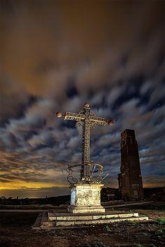 La Cruz de Belchite by isabel ahijado on 500px