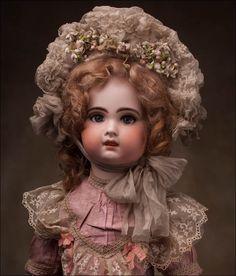Кукла Jumeau -Шагающая- в оригинальном костюме, 67 см. 1890-1900. - на сайте антикварных кукол.