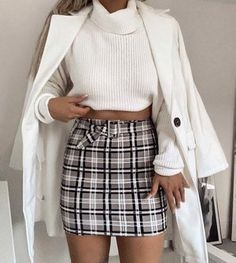 How to wear fall fashion outfits with casual style trends Tumblr Outfits, Mode Outfits, Winter Outfits Tumblr, Teen Fashion, Winter Fashion, Fashion Outfits, Fashion Trends, Fashion Clothes, Fashion Mode