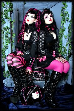 Cyber goth with Hello Kitty <3