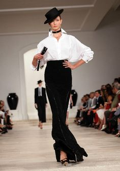 Ralph Lauren spring 2013 nyfw black and white trend Parisian chic Star Fashion, Runway Fashion, Fashion Outfits, Ralph Lauren New York, Ny Fashion Week, Blouse Styles, Blouse Designs, Parisian Chic, Shorts