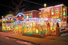 20 Spectacular Holiday Home Light Displays | Home Design, Interior Decorating, Bedroom Ideas - Getitcut.com