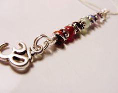 Símbolo de OM 7 Chakra colgante, caracol collar de piedras preciosas, equilibrio, armonizar los centros de energía, joyería de Chakra, Reiki