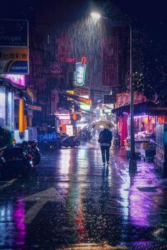 Night rain in Taipei, Taiwan Night Rain, Rainy Night, Rainy Days, Cyberpunk City, Rain Photography, Street Photography, Photography Women, Photography Ideas, Photography Lighting
