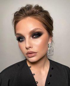 """3,001 curtidas, 78 comentários - Elena Sanko MakeUp (@elena_sanko_make_up) no Instagram: """"Друзья, сейчас для всех непростой период, многие просто сидят дома без возможности выйти. Поэтому я…"""" Makeup Tips, Beauty Makeup, Eye Makeup, Hair Makeup, Hair Beauty, Creative Makeup Looks, Glam Makeup Look, Smokey Eye For Brown Eyes, Photoshoot Makeup"""