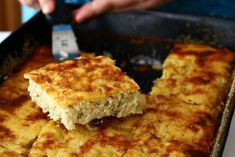 Budinca de dovlecei Baked Chicken Recipes, Cornbread, Food And Drink, Appetizers, Cooking Recipes, Nutrition, Baking, Normal People, Ethnic Recipes