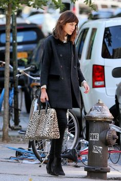 alexa chung with leopard tote