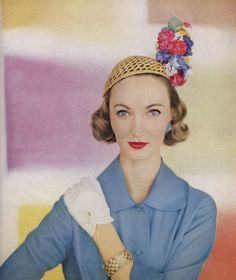 Evelyn Tripp, photo by Richard Rutledge, Vogue April 1955