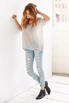 BLANKNYC Shredded Classic Skinny Jean [Pinterest: @YelaGarcia]