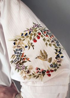 Wonderful Ribbon Embroidery Flowers by Hand Ideas. Enchanting Ribbon Embroidery Flowers by Hand Ideas. Hand Work Embroidery, Embroidery Suits Design, Embroidery On Clothes, Bird Embroidery, Japanese Embroidery, Silk Ribbon Embroidery, Embroidery Fashion, Hand Embroidery Patterns, Embroidery Stitches