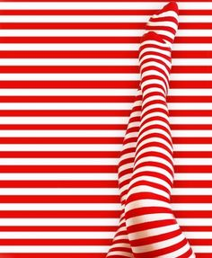red lines/legs