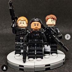 Lego Minifigure Display, Lego Minifigs, Star Wars Art, Lego Star Wars, Carmen Sandiego, Gifts For Boys, Legos, Starwars, Army