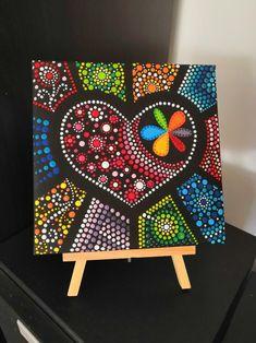 Dots on canvas Corazon en canvas chica Mandala Canvas, Mandala Artwork, Mandala Dots, Mandala Painting, Mandala Design, Painted Rocks, Hand Painted, Mini Canvas Art, Dot Art Painting