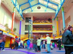 The largest children's museum in the world, the Children's Museum of Indianapolis is a huge, five-level playground where over one million kids and parents each year come to enjoy science, history, art and culture.