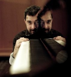 People with Pianos - site with a collection of photos of people with pianos! This is a cool shot.