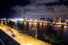 "* Recife, Pernambuco. Brasil * ""Rio Capibaribe"". ""Torres Gêmeas"" ao fundo."