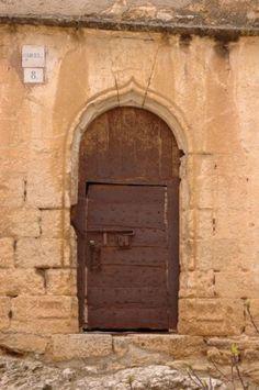 Puerta de la cárcel en #Tronchón #Teruel (Spain)