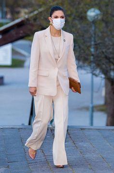 Crown Princess Victoria Attends Nobel Prize Summit — Royal Portraits Gallery Princess Victoria Of Sweden, Princess Estelle, Crown Princess Victoria, Casa Real, Stockholm, Swedish Royalty, Prince Daniel, Estilo Real, Queen Silvia
