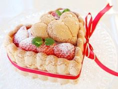 strawberry charlotte, perfect for your ❤ My Favorite Food, Favorite Recipes, Gateaux Cake, Valentines Day Treats, Something Sweet, Pasta, Cupcake Cookies, Recipe Collection, Let Them Eat Cake
