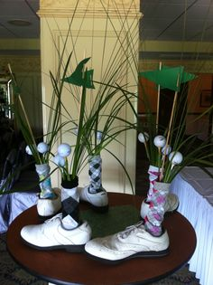 Table decorations for golf tournaments. hahaha this could be really funny if we could find lots of old golf shoes! Sports Centerpieces, Golf Party Decorations, Baseball Centerpiece, Table Decorations, Diy Centerpieces, Centrepieces, Golf Driver Swing, Golf Drivers, Thema Golf