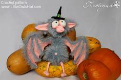 Bat project by Petunia. Project Gallery for patterns from Little Owl's Hut's Ravelry Store Bat crochet pattern by Astashova for LittleOwlsHut #LittleOwlsHut, #Bat, #Astashova, #Amigurumi, #CrochetPattern, #DIY