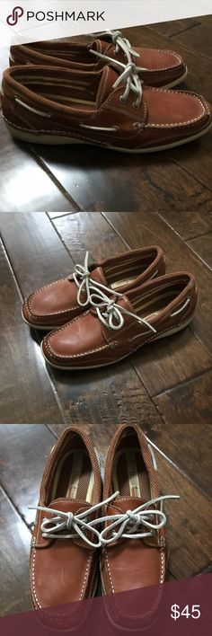 Bass Leather Oxford Great used condition women Bass oxfords has minor scuffs as seen in pictures Style: Breezy Color: Cognac tan Size 9M Bass Shoes Flats & Loafers