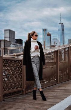 Cozy Layers on the Brooklyn Bridge Cozy layers crisp winter air and skyscraper views of New York... a picture-perfect situation. With 2017 coming to an end a stop at the Brooklyn Bridge to reflect on the year is a must. I made sure to have several cozy layers on then stopped by Starbucks to get a cup of my favorite...
