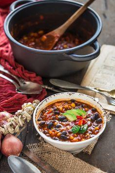 simple mexican vegan black bean chili recipe #glutenfree | 30 minutes full of flavor | Ricetta CHILI vegano con fagioli neri. zuppa di fagioli neri alla messicana #vegan #senzaglutine.