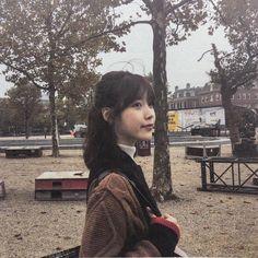 Kpop Girl Groups, Kpop Girls, Iu Twitter, Iu Fashion, Kpop Aesthetic, Celebs, Celebrities, Ulzzang Girl, K Idols