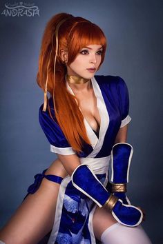 Andrasta cosplay as Kasumi from Dead or Alive.