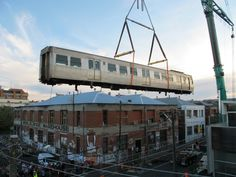 deansunshine_landofsunshine_melbourne_streetart_graffiti_train craned 3