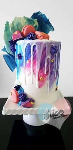 Wedding Cake Inspiration : 22 Visually Superb Drip Cakes Salted caramel popcorn, Charlie and the Chocolate Factory and pastel drip wedding cakes galore! Gorgeous Cakes, Pretty Cakes, Cute Cakes, Yummy Cakes, Amazing Cakes, Bolo Drip Cake, Bolo Cake, Drip Cakes, Crazy Cakes