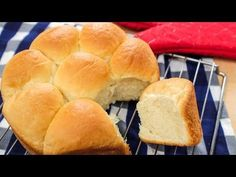 The ultimate soft, fluffy, Asian-style bread with tender-but-chewy texture.it seems impossible to recreate at home but as I will show you, it is so easy! Milk Bread Recipe, Bread Recipe Video, Best Bread Recipe, Bun Recipe, Bread Recipes, Baking Buns, Bread Baking, Hokkaido Milk Bread, Bread Kitchen