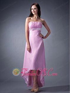 Cheap dama dresses for quinceanera! Find vestidos de dama, dama dresses, and quinceanera dama dresses 2018 at Dama Dresses colors that your damas will love! High Low Chiffon Dress, Strapless Dress Formal, Quinceanera Dama Dresses, Romantic Bridesmaid Dresses, Bridesmaids, Wedding Dress Shopping, 15 Dresses, Dress Collection, Floor