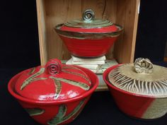 Casserole Dishes - Winking Lizard Pottery. I like how the lid fits on the back one.
